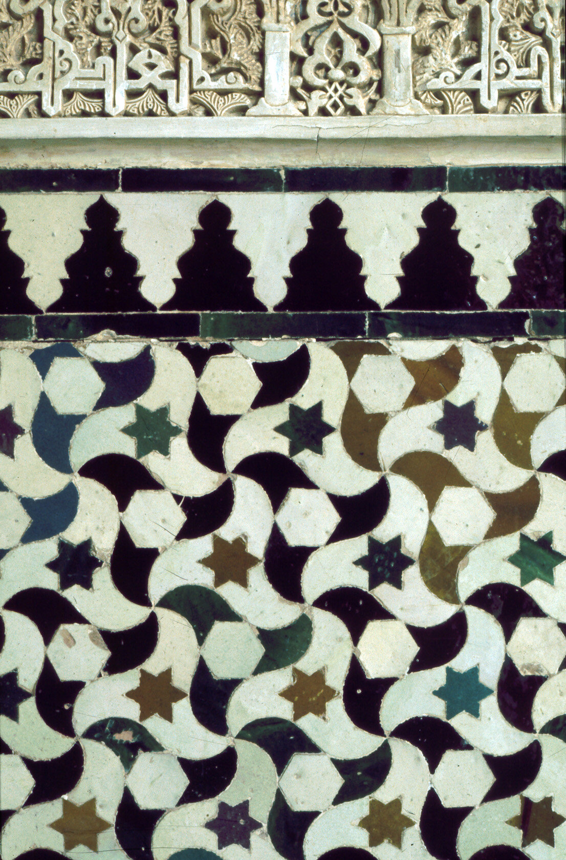 Tessellation pattern at the Alhambra Palace in Granada, Spain  Wade Photography SPA0110:  https://patterninislamicart.com/archive/browse/monuments/111/alhambra/spa0110